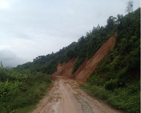 bumpy road conditions in ha giang
